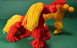 Красный конь из ниток (игрушка-мотанка) — Своими Руками