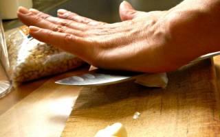 Как почистить много чеснока за пару секунд — Своими Руками